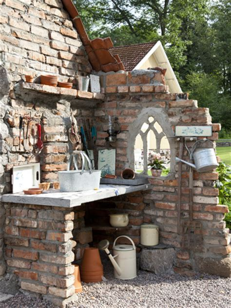 How to Decorate Your Garden with Red Bricks - Page 2 of 2