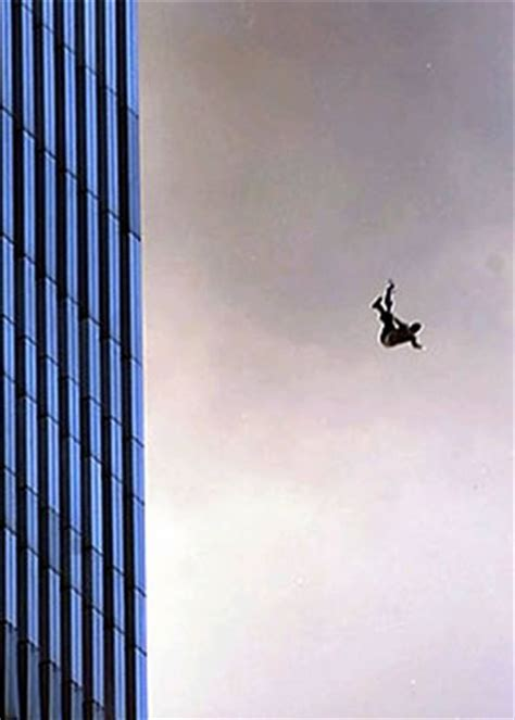 28 Of The Most Powerful September 11 Pictures | DailyMilk